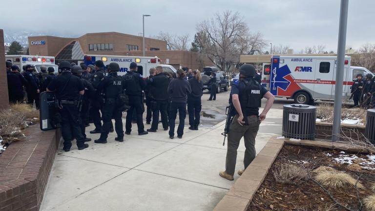 Нови 43 обвинения за стрелеца от Колорадо