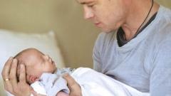 Топ 5 на секси татковци, отдадени на децата си (СНИМКИ)