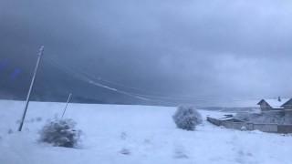 Проблеми в цялата страна заради силния вятър и снега