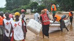 Разрушения и загинали след скъсана язовирна стена в Кения