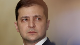 Зеленски настоява за пълно прекратяване на огъня в Донбас