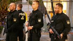 Мъж с мачете уби бременна жена и рани двама в Германия