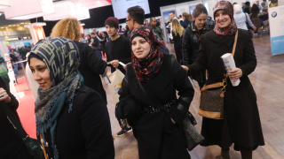 Наши евродепутати искат законодателството за убежище да е в полза на България