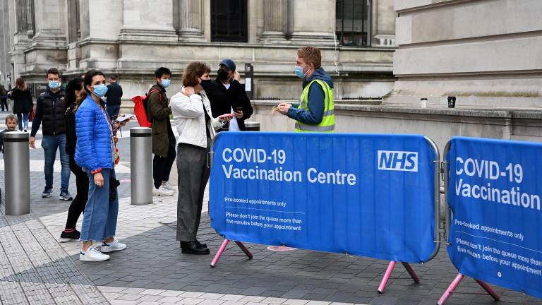 Под 10 000 заразени с коронавирус в Британия