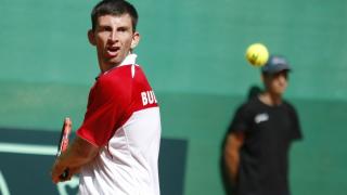 Александър Лазов на осминафинал в Румъния