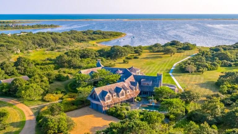 Барак и Мишел Обама си купиха имение за 11.75 млн.