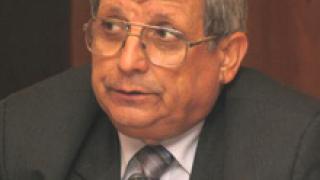 Военният министър се опъна на Първанов