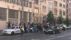 Мотористи продължават да протестират пред турското посолство