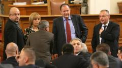 Депутатите гласуват дали да има агитация на майчин език