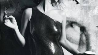 Кейт Мос блести празнично във Vogue Китай (галерия)