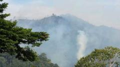 Втори ден гасят пожара над Карлово