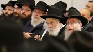 Син на съдия се призна за виновен за заплахи в синагога в Северна Каролина