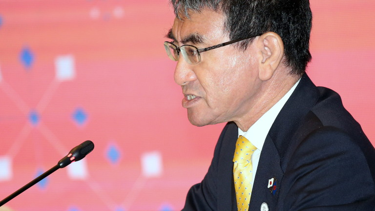 Снимка: Захариева посреща японския външен министър
