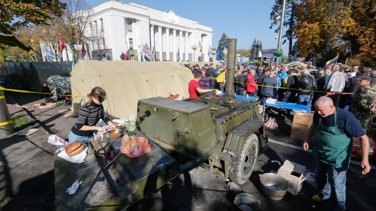 """Воювали в Донбас може да са в основата на новия """"майдан"""" в Украйна"""