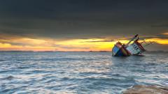 Товарен кораб с 13 души потъна в Черно море край Турция
