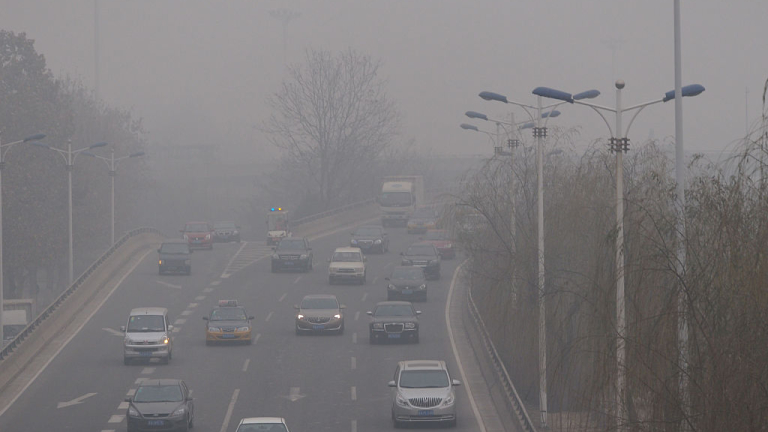 Богатите страни намаляват вредните си емисии - като ги пращат в Китай