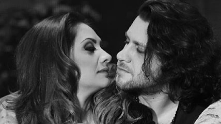 Мариана Попова припява химна на любовта