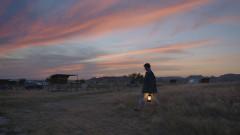 Какво прави една жена, когато изгуби дома си