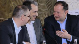 Орешарски готов да преговаря с окупаторите на СУ