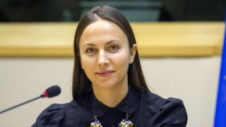 Ева Майдел призовава за образование и цифрова грамотност