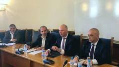 """Желязков очаква от концесионера на летище """"София"""" нов терминал и писта"""