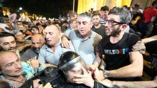 Ранените в Тбилиси достигнаха 240 души, 80 от тях са полицаи