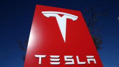 Tesla струва колкото Ford и GM, взети заедно