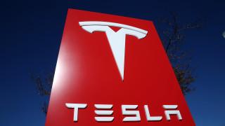 Tesla затваря завода си в САЩ