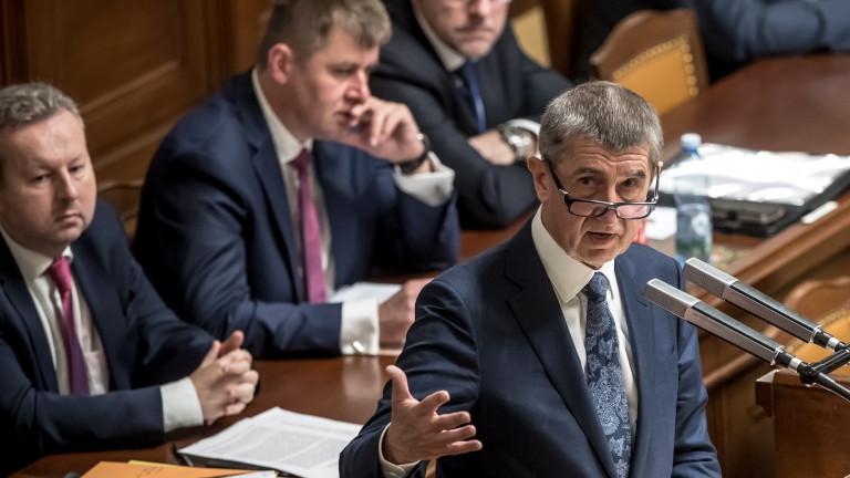Правителството в Чехия оцеля при вот на недоверие