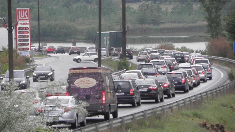 Жители на 10 населени места готвят блокада на Е-79 заради решение на АПИ