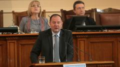 И демокрацията ни, и съдебната ни реформа били фасадни, убеден Миков