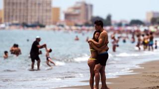 Испания планира отваряне на границите за туристи от 22 юни