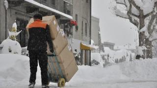 Снеговалеж блокира ски курорти в Италия и Швейцария
