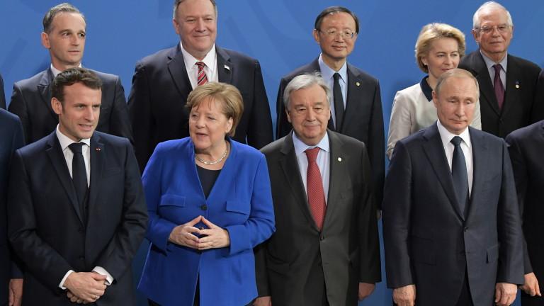 Френският президент Еманюел Макрон и германският канцлер Ангела Меркел при