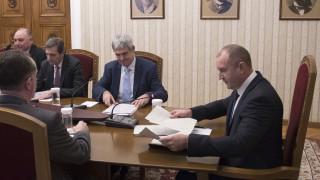 Радев обясни пред синдикатите, че защитава българския въгледобив