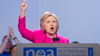 Тръмп насърчава чуждестранен шпионаж, изригнаха от лагера на Клинтън