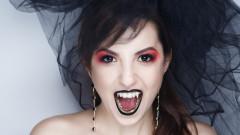 Проклятието на маскарада за Хелоуин