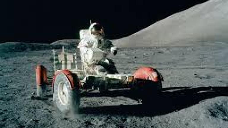Почина Юджийн Сърнън, последният човек, стъпвал на Луната