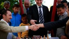 Тежък старт за Топалов в Турнира на претендентите