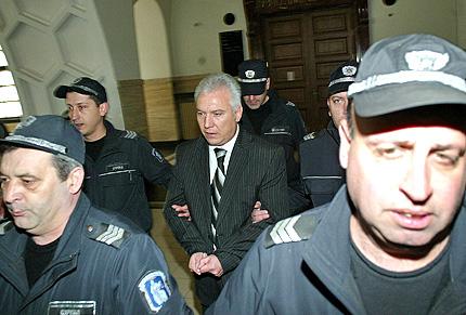 Обвиняват Иван Иванов за престъпления отпреди 10 години