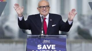 Тръмп скъсал и с Руди Джулиани, отказва да му плати адвокатските хонорари