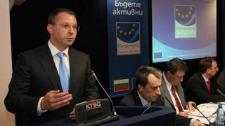 Станишев: 30% за учителите до края на 2008 г.