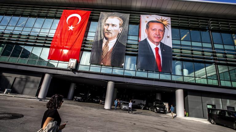 Президентът на Турция Реджеп Тайип Ердоган и основният му опонент