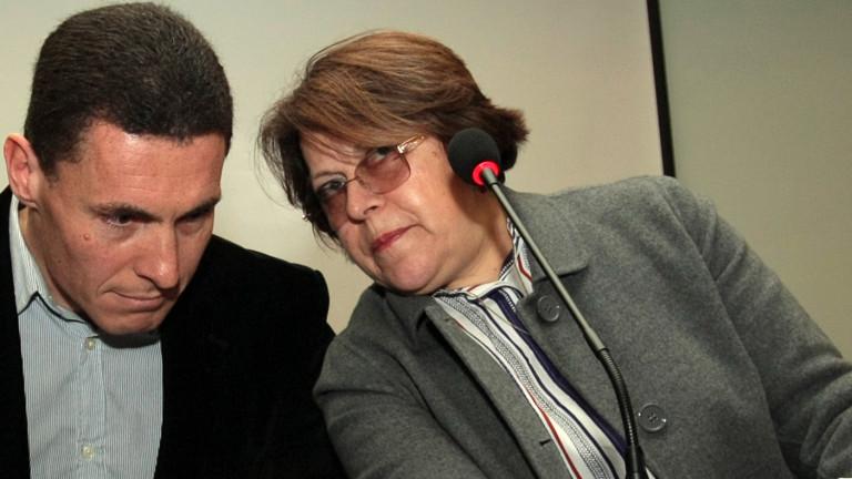 В българския парламент ръководи Българската комунистическа партия и всички парламентарни