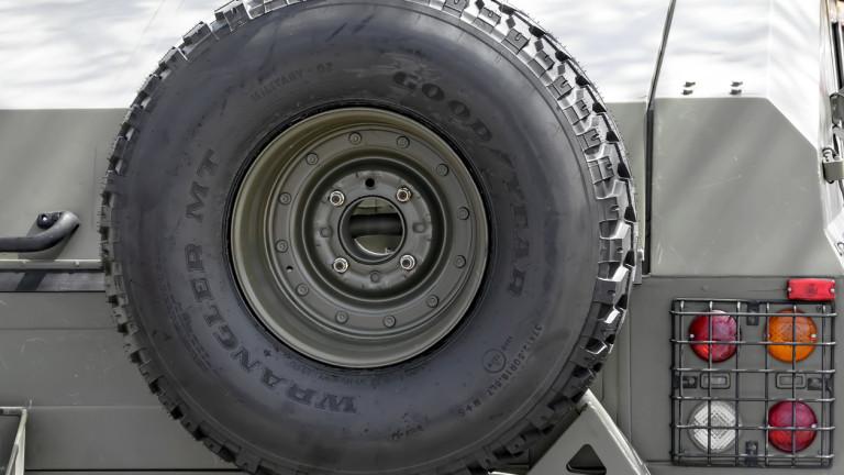 Снимка: Goodyear напуска Венецуела и подарява по 10 гуми на работниците