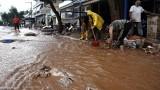 Десетки евакуирани заради наводнения в Северна Италия