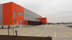 Търговски и автомобилни компании водят пазара на индустриални имоти