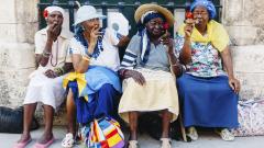САЩ разреши на американците да внасят кубински пури и ром в страната