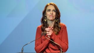 Нова Зеландия осигурява безплатни дамски превръзки в училищата