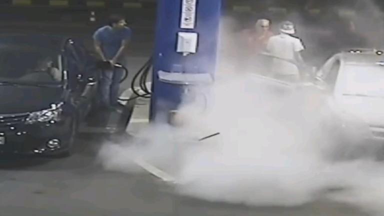 Ето защо не трябва да пушим на бензиностанция